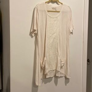 LOGO white long shirt  pleated front lace pockets